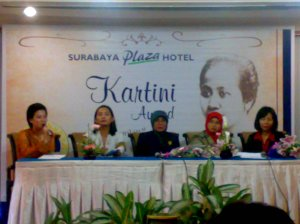 Suasana Press Conference Kartini Award 2009